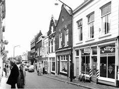 Datering tot: 1976-12-31 Beschrijving: Oostzijde van de afrol, vanaf de Hoogstraat naar het Broersveld.