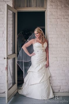 Our bride Ginny! Wearing @watterswtoo. @richardbell