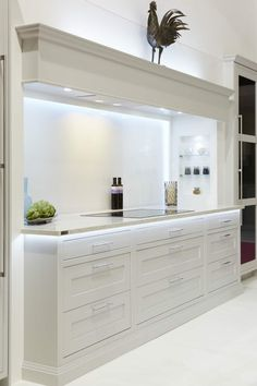 Stylish 20 Elegant Kitchen Design With Contemporary Kitchen Features You Can Try Open Plan Kitchen Diner, Open Plan Kitchen Living Room, Kitchen Design Open, Luxury Kitchen Design, Contemporary Kitchen Design, Interior Design Kitchen, Contemporary Open Plan Kitchens, Kitchen Mantle, Home Decor Kitchen