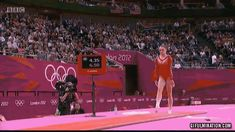 McKayla Maroney's Flawless Gymnastics Vault *click pic to view .gif*