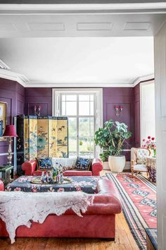 Tour Fashion Designer Alice Temperley's House - a Stunning Mansion in Somerset | Livingetc Vintage Shop Display, Sage Green Kitchen, Alice Temperley, Edwardian House, Granny Chic, Pink Room, Reception Rooms, House And Home Magazine, Room Interior