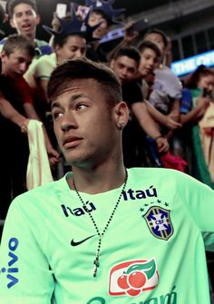 Ve Neymar, que tan bueno que se ve desde aquí.