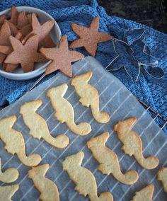 Nemme udstikker småkager med vanilje eller kakao - Home by Bianca Gingerbread Cookies, Fondant, Vanilje, Kakao, Desserts, Food, Eten, Gingerbread Cupcakes, Tailgate Desserts