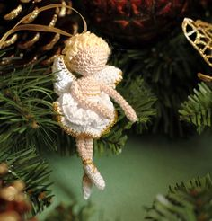 Collectable Home Christmas Decoration Angel : crochet art doll white/ gold Crochet Angels, Crochet Art, Crochet Crafts, Crochet Patterns, Little Christmas, Crochet Christmas, Christmas Decorations, Christmas Ornaments, Beautiful Crochet