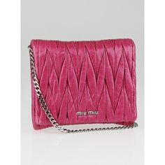 Pre-owned Miu Miu Pink Matelasse Lux Leather Chain Crossbody Bag (€335) ❤ liked on Polyvore featuring bags, handbags, shoulder bags, purple leather handbag, leather crossbody purse, leather shoulder bag, leather cross body purse and shoulder sling bag