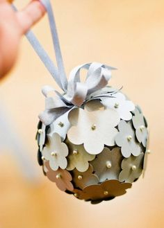 DOMINO:34 ways to decorate with paper at your wedding