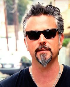 . Goatee Styles, Hair And Beard Styles, Gas Monkey Richard Rawlings, Goatee Beard, Elderly Man, Country Men, Beard Care, Well Dressed Men, Madame