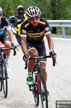 Colombia Pro Cycling @Col_Coldeportes 500 meters separated @RubianoMiguelA and his chance to fight for stage 12's win in #LV2015! colombiacyclingpro.com/rubiano%E2%80%… pic.twitter.com/OSPVE7m8Nu