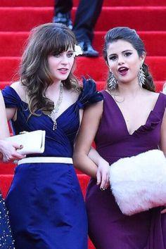 Selena Gomez / Zooey Deschanel