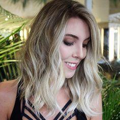 Bom dia!! #braehaircare #bondangel #hair #love #hairstyle #instahair #hairstyles #haircolor #hairdye #hairdo #style #blonde #hairoftheday #hairfashion #hairofinstagram #coolhair #wella #shorthair #longbob #contour #haircontour