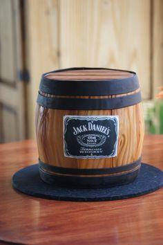 Jack Daniels Whiskey barrel shaped cake Whisky, Whiskey Cake, Whiskey Barrel Cake, Jack Daniels Torte, Fondant Cakes, Cupcake Cakes, Jack Daniels Birthday, Alcohol Cake, Bottle Cake