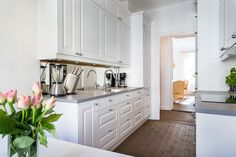 Apartment in Moscow  - kitchen and Breakfast area