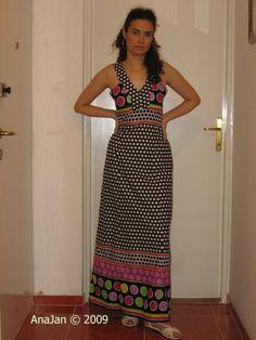 Dots Invasion Dress- free pattern, intermediate sewers