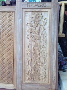 Pakkeer Rabbani Rabbani added a new photo. Partition Design, Wooden Window Design, Modern Wooden Doors, Wood Art, Door Design Wood, Indian Doors, Ceiling Design, Wood Carving Designs, Window Design