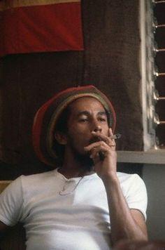 Bob Marley relaxes smoking weed