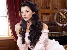 Tudor hair.. Natalie Dormer as Anne Boleyn in The Tudors..