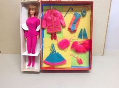1970 Mod Dramatic Living Barbie - Doll and Action Accents Gift Set 1585 - Sears Exclusive - Clear Posin X Stand - Japan Body - NRFP - Mattel Vintage Barbie, Vintage Dolls, Living Barbie, Gift Sets, Live Action, Fashion Dolls, Barbie Dolls, American Girl, Bubbles