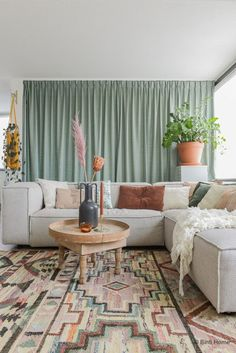 Bohemian Room, Bohemian Interior, Sage Living Room, Green Curtains, Living Room Designs, Sweet Home, Kit, Interior Design, House Styles
