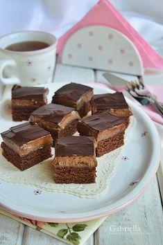 Gabriella kalandjai a konyhában :) No Bake Desserts, Easy Desserts, Delicious Desserts, Dessert Recipes, Yummy Food, Peach Yogurt Cake, Torte Recepti, Hungarian Recipes, Homemade Cakes