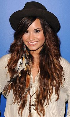 Demi Lovato has the best hair ever. 'nuff said. Demi Lovato Hair, Blond, Hair Evolution, Head Band, High Ponytails, Celebrity Beauty, Teen Vogue, Celebs, Celebrities