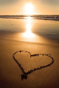 Heart In Nature, Photo D Art, I Love The Beach, Beach Quotes, Love Wallpaper, Belle Photo, Love Heart, Cool Pictures, Beautiful Places