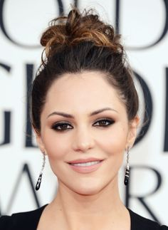 Katharine Mcphee Golden Globes 2013   THE HOW-TO: FACE NARS Radiant Creamy Concealer (available spring 2013); NARS Light Reflecting Setting Powder – Pressed (available spring 2013); EYES NARS Larger Than Life Long-Wear Eyeliner in Via Veneto; NARS Eyeshadow Duo in Cordura; Black mascara;  LIPS NARS Satin Lip Pencil in Biscayne Park (available spring 2013)