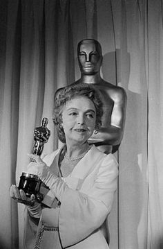 The Academy Awards Ceremony Lillian Gish was awarded an Honorary Oscar for superlative artistry and for distinguished contribution to the progress of motion pictures. Academy Award Winners, Oscar Winners, Academy Awards, Dorothy Gish, Lillian Gish, Silent Film Stars, Movie Stars, Classic Hollywood, Old Hollywood