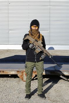 Airsoft Player in Japan. Fashion Photo Woman. X-Large jacket. #Military #girl #gun #combat