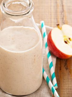 Apple Pie a La Mode Smoothies (Dairy-Free Recipe)