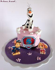 Una de las tres tartas idénticas para tres grandes amigas #frozen #pawpatrol #patrullacanina #tartafrozen #tartapatrullacanina #pawpatrolcake #olaf #olaffondat #olaffondantcake #olafazucar #olafsugar