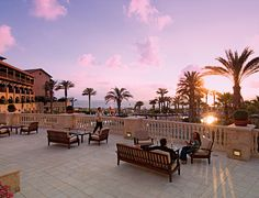 This is the spectacular Elysium Hotel, in #Paphos. It's distinctly ★★★★★, and part of the Thomas Cook Ultimate #Style collection.