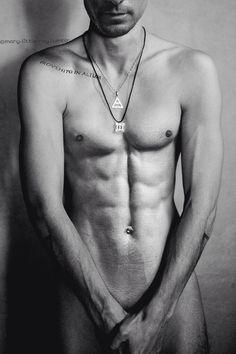 My Gawd, Jared Leto!     I wish I 'owned' some of that hotness.  Mmmmmmmmmm he makes me drool