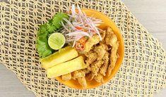 Aquí te mostramos cómo prepararlo. Ceviche, Chicharrones, Peruvian Recipes, Recipe Collection, Cantaloupe, Tacos, Fish, Fruit, Ethnic Recipes