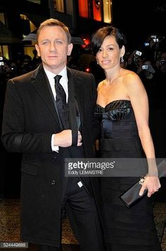 Actor Daniel Craig and his wife producer Satsuki Mitchell attend the premiere of 'Quantum of Solace' in Paris #DanielCraig