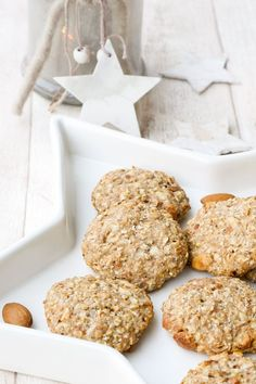 Healthy cookies with almonds and maple syrup - enjoyment without remorse - Healthy biscuits with almonds for a Christmas party with no regrets – perfect for children – fo - Healthy Biscuits, Healthy Cookies, Healthy Dessert Recipes, Baby Food Recipes, Sweet Recipes, Cookie Recipes, Healthy Baking, Lassi Recipes, Smoothie Recipes