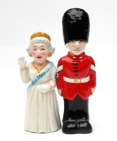 Royal Queen of England and UK Guard Magnetic Salt & Pepper Shakers