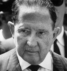 Presidente de Guatemala Período de gobierno: 1958-1963 Anticomunista 68 años de edad