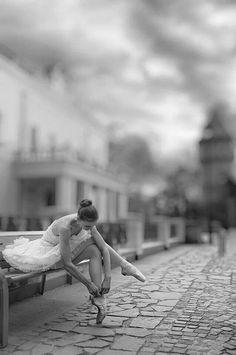 Una preciosa bailarina en blanco y negro #bailarinas #ballet #fotografia