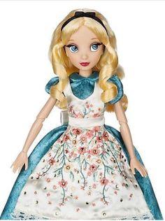 Disney Disney, Disney Style, Disney Princess, Disney Barbie Dolls, Alice Liddell, Barbie Fashionista, Star Wars Action Figures, Disney Dresses, Pretty Dolls