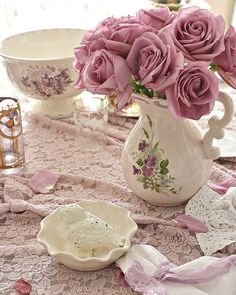 Hi I'm Glenda.I love French country style, shabby chic , romantic and white style. This is just random things I love. Shabby Chic Crafts, Shabby Chic Homes, Shabby Chic Decor, Shabby Vintage, Shabby Chic Home Accessories, Deco Rose, Shabby Look, Romantic Home Decor, Country Farmhouse Decor