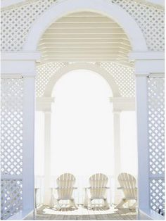 Lattice structure in Veranda - Image Thayer Gowdy Outdoor Rooms, Outdoor Living, Outdoor Seating, The White Album, New England Style, Tropical Style, All White, Pure White, Shades Of White