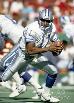 Andre Ware played for several teams in the NFL but was pretty much a bust.