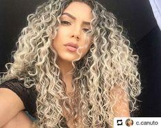 43 Ideas for hair color blonde honey girls – – – cabelo Curly Hair Baby, Colored Curly Hair, Long Curly Hair, Curly Hair Styles, Permed Hairstyles, Pretty Hairstyles, Hair Color Balayage, Blonde Color, Coiffure Hair
