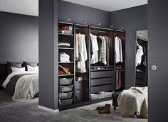 Dressing pas cher : nos solutions - Elle Décoration Bedroom Closet Design, Bedroom Wardrobe, Wardrobe Design, Closet Designs, Home Bedroom, Bedroom Furniture, Home Furniture, Corner Wardrobe, Open Wardrobe