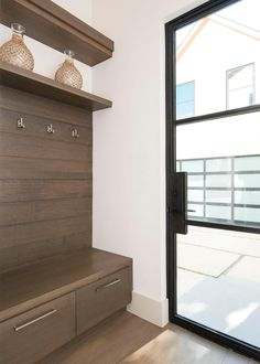 Modern home mudroom design ideas pictures remodel and for Furniture 4 less salinas