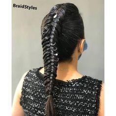 بافت کف سری تیغ ماهی Chignon Hair, Dreadlocks, Hair Styles, Beauty, Hair Plait Styles, Hair Makeup, Hairdos, Haircut Styles, Dreads
