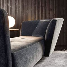 #Seymour offers proportions and curves that express a feeling of intimacy. Particular to lounge #Seymour are the one-piece seat cushions embellished with subtle top stitching which allow for the creation of unique and asymmetrical compositions.  Find the new @minotti_spa 2015 collection at #MinottiJakarta Kemang Raya 79.