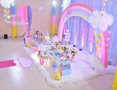 Love the rainbow tables! Care Bear Party, Care Bear Birthday, Unicorn Themed Birthday Party, Rainbow Birthday Party, Baby Girl Birthday, Unicorn Party, 1st Birthday Parties, Ballons Brilliantes, Cloud Party
