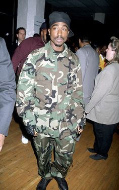 Tupac Shakur at the Annual Soul Train Music Awards on March 1996 Tupac Shakur, 2pac, Tupac Pictures, Tupac Makaveli, Soul Train, Best Rapper, American Rappers, Hip Hop Rap, Hip Hop Fashion