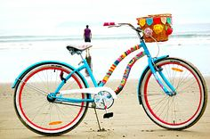 {crocheted bicycle} if I crocheted and had a bike, I probably would do something like this!